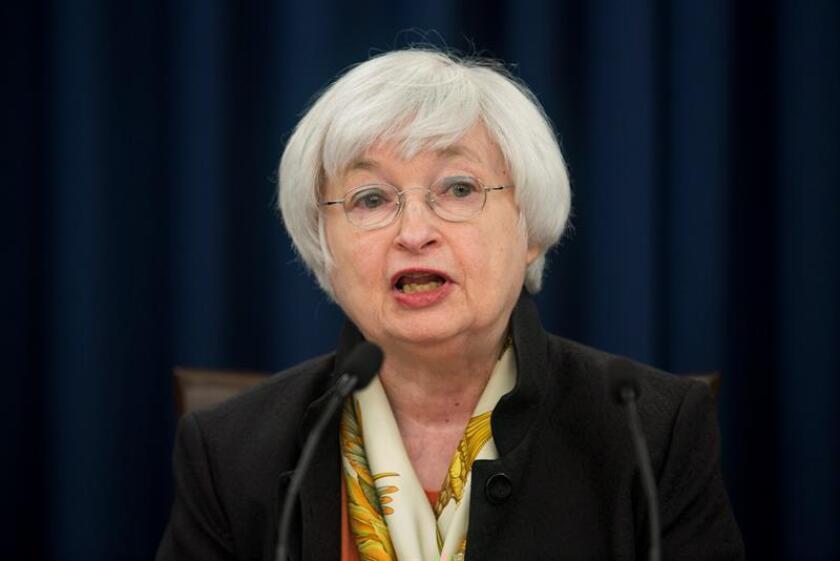 """La presidenta de la Reserva Federal (Fed), Janet Yellen, afirmó que la decisión de hoy de subir los tipos de interés es """"un voto de confianza"""" en el """"considerable progreso"""" realizados por la economía del país. EFE/ARCHIVO"""