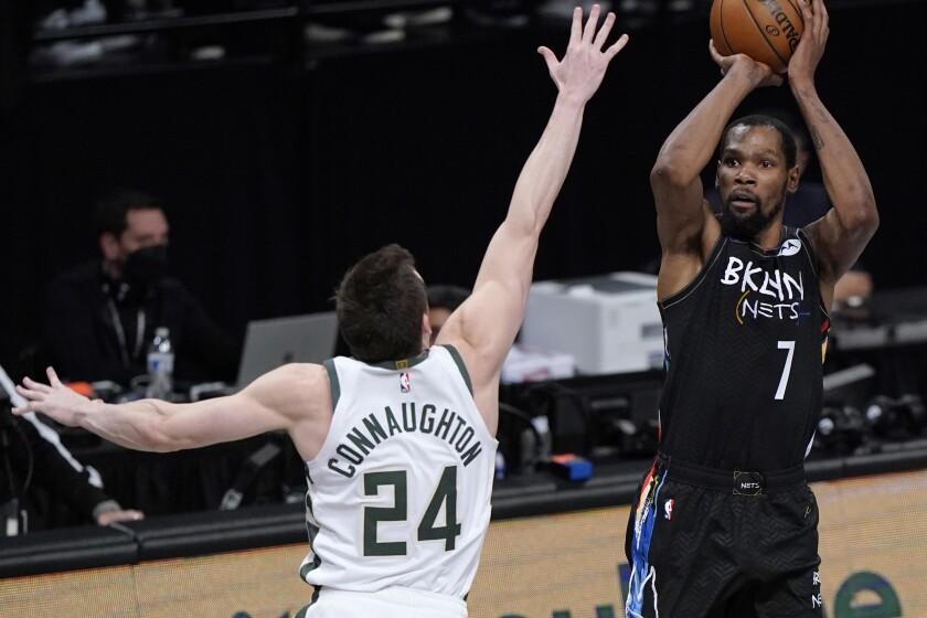 Brooklyn Nets forward Kevin Durant (7)