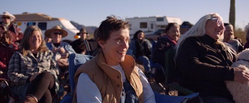 """Esta imagen proporcionada por Searchlight Pictures muestra a Frances McDormand en una escena de """"Nomadland""""."""