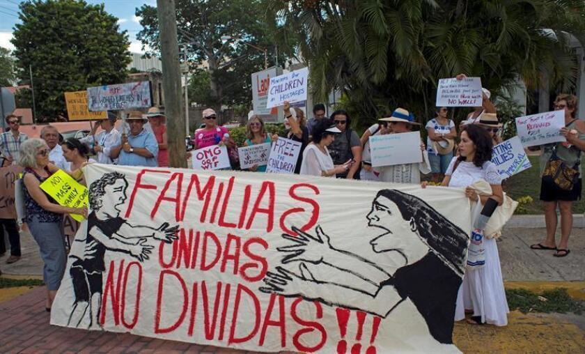 El gobierno de Estados Unidos ha reunificado a 2.458 niños de los 2.667 que fueron separados de sus padres en la frontera sur, según un informe presentado hoy en una corte federal en el sur de California. EFE/ARCHIVO