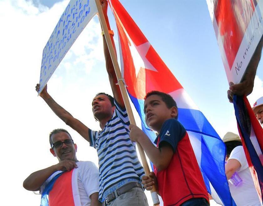 Estados Unidos pidió hoy la liberación del líder de la opositora Unión Patriótica de Cuba (Unpacu), José Daniel Ferrer, y del también disidente Ebert Hidalgo, detenidos desde el pasado viernes por las autoridades cubanas. EFE/Archivo