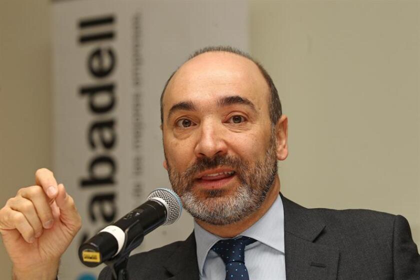 El Banco Sabadell anunció hoy que durante el año 2017 prevé colocar 44.000 millones de pesos (unos 2.037 millones de euros o 2.157 millones de dólares) en créditos corporativos a empresas, un 30 por ciento más que en 2016, año en el que consiguió 360 clientes y duplicó su plantilla en el país. EFE