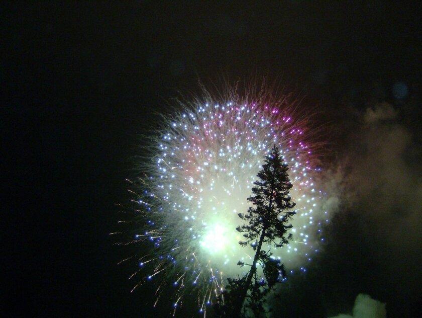coverfireworks