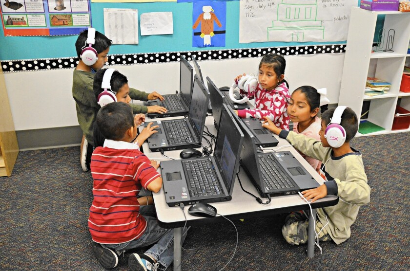 Oak View Elementary students at computers
