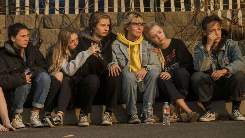 VENTURA, CALIF. -- TUESDAY, DECEMBER 5, 2017: Georgia Crowley, 14, from left, Grace Combs, 15, Murie