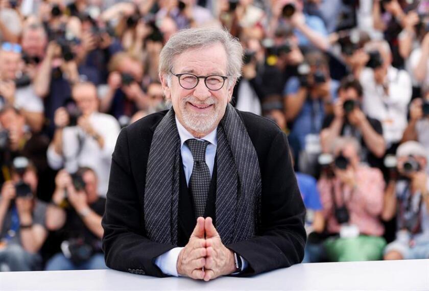Foto de archivo tomada el 14 de mayo de 2016 del director de cine estadounidense Steven Spielberg mientras posa en el ámbito d ela 69? Festival de Cine de Cannes (Francia). EFE/Archivo