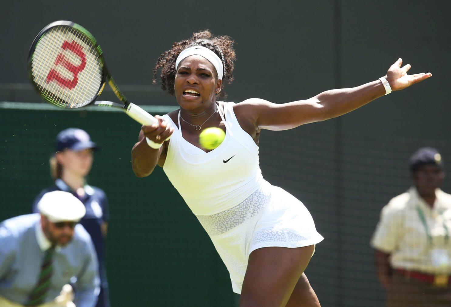 Serena Williams Novak Djokovic Advance At Wimbledon Los Angeles Times