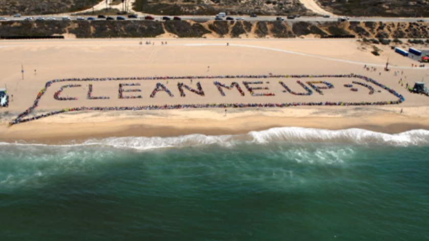 Un proyecto de Kids Ocean Day de 2014 muestra el trabajo en conjunto de cientos de estudiantes.