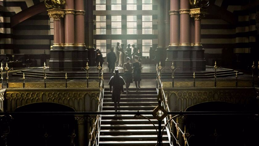 """Entering the MACUSA building in """"Fantastic Beasts and Where to Find Them."""""""