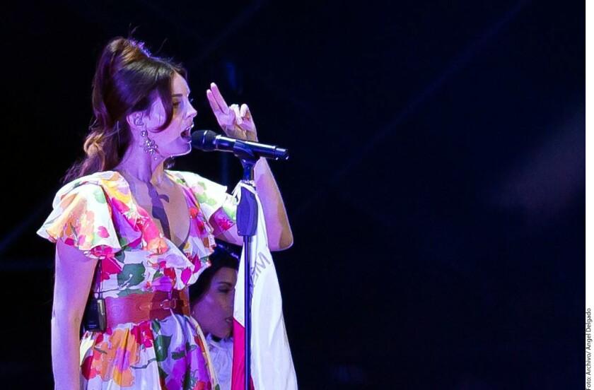 Lana del Rey canta a Cohen