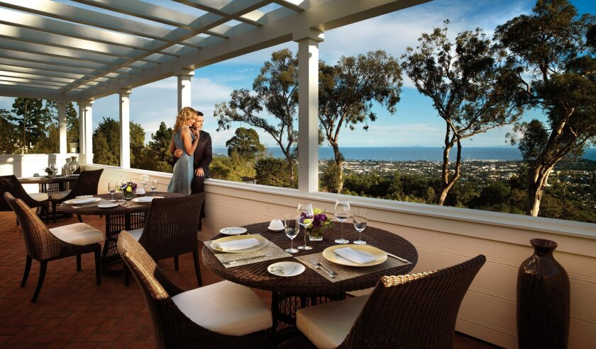 El Encanto offers romantic dinners on the terrace.