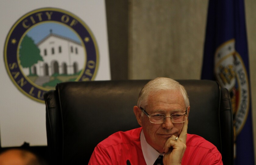 Los Angeles County Supervisor Mike Antonovich wants residents in the San Fernando Valley to have 30 days to return home once the gas leak in Aliso Canyon is stopped.