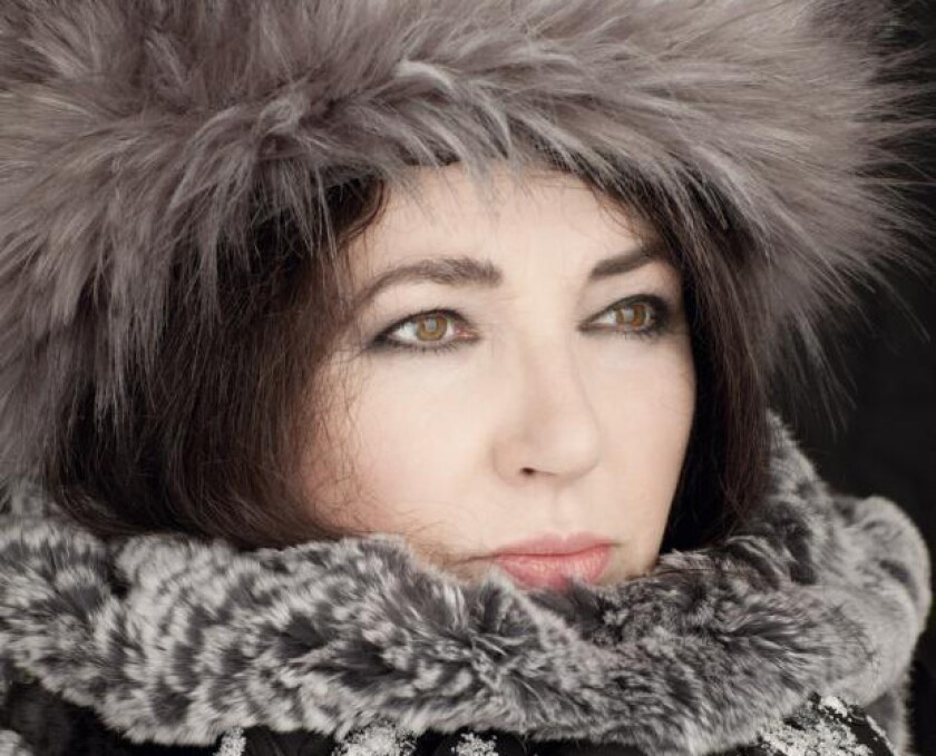 The singer Kate Bush has announced her first live dates in 35 years.