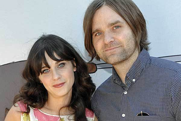 """Zooey Deschanel's divorce is final: She and Death Cab for Cutie front man Ben Gibbard got the official finito from a judge on December 18. The couple, who separated on Halloween 2011 and filed for divorce Dec. 27 of last year, got married in September 2009. The separation was """"mutual and amicable,"""" it was reported at the time. Full story: Zooey Deschanel divorce: It's final"""