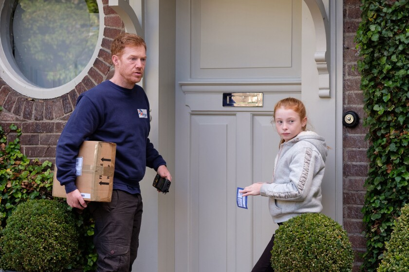 Kris Hitchen and Katie Proctor in the movie 'Sorry We Missed You'