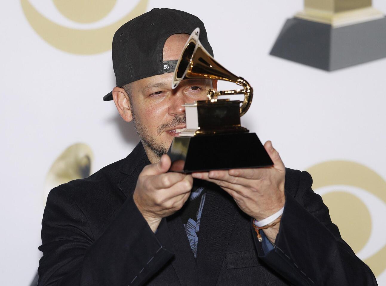 "Residente gana el Grammy por ""Best Latin Rock, Urban or Alternative Album""."