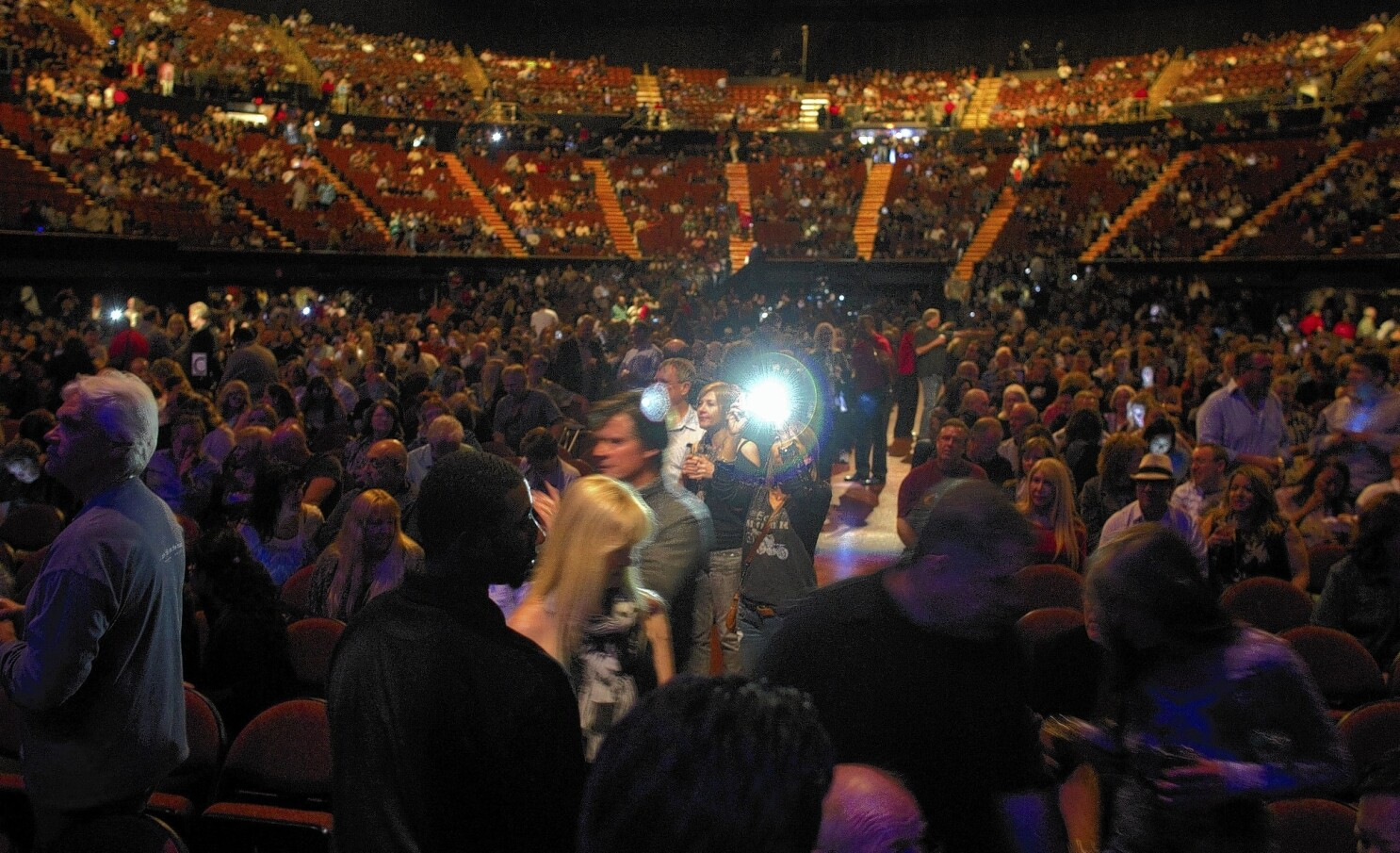 Concertgoer Gets Static From Forum Over Missing Seat Los Angeles Times