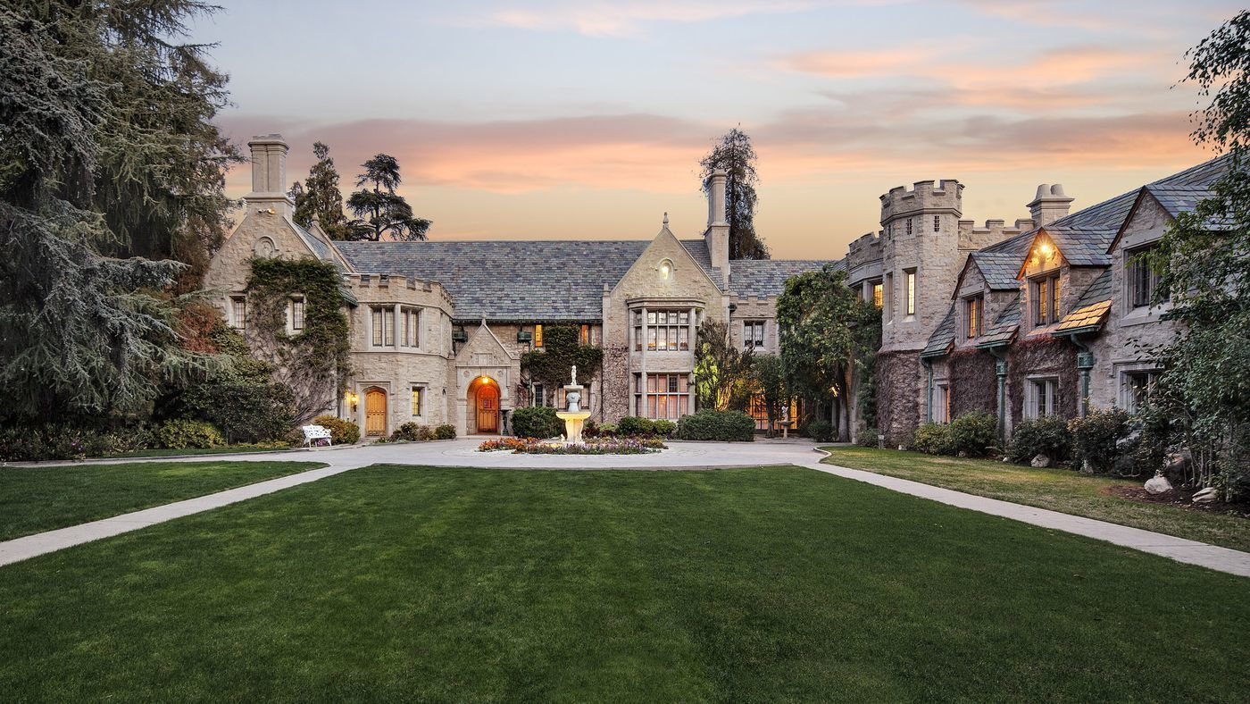 L A S Famous Playboy Mansion Is Spared The Wrecking Ball Los Angeles Times