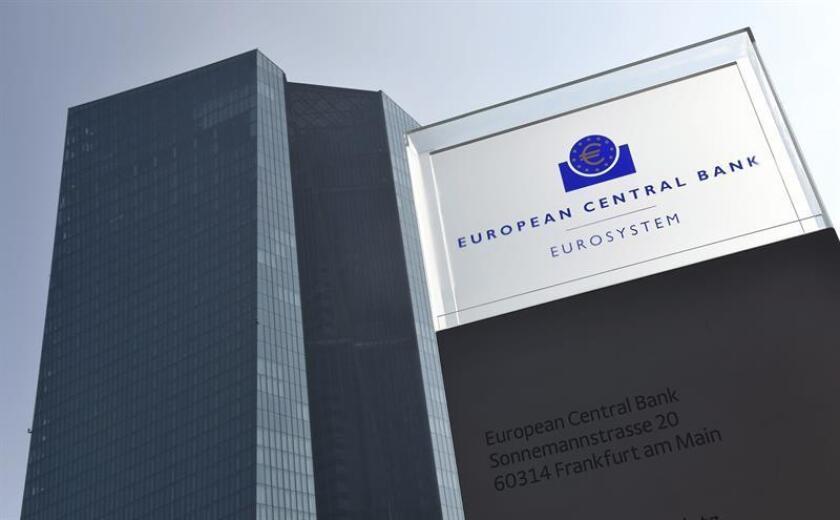 Vista del logotipo del Banco Central Europeo (BCE) en su sede de Fráncfort, Alemania. EFE/Alemania