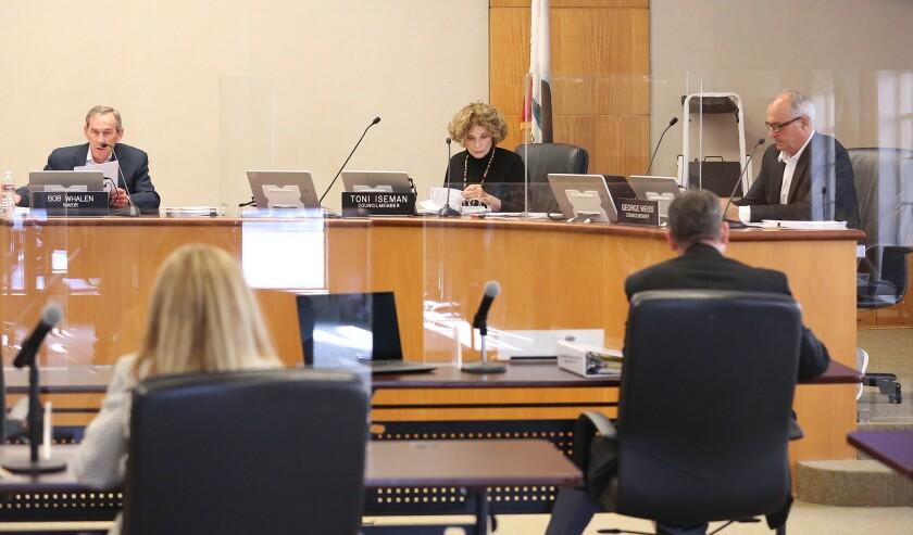 Laguna Beach Mayor Bob Whalen and councilmembers Toni Iseman and George Weiss begin an in-chambers meeting.