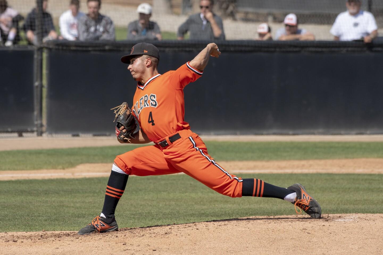 http://www.latimes.com/socal/daily-pilot/sports/la-photo-gallery-huntington-beach-vs-vista-murrieta-in-baseball-20180518-photogallery.html