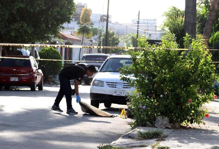 La violencia en el estado de Quintana Roo se ha extendido a lo largo de este año por una supuesta disputa entre el Cártel Jalisco Nueva Generación con Los Zetas y otros grupos delictivos para controlar la región, de acuerdo con las autoridades. EFE