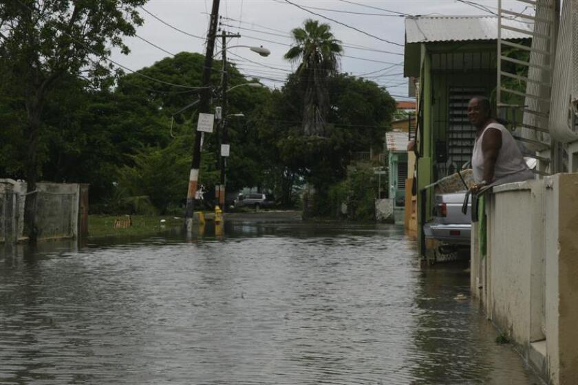 El Servicio Nacional de Meteorología (SNM) de San Juan emitió hoy una advertencia de inundaciones costeras para la zona norte de Puerto Rico, la isla-municipio de Culebra y Santa Cruz hasta las 06.00 de la tarde (22.00 GMT) de mañana, domingo, por remanentes de la depresión tropical Kirk. EFE/ARCHIVO