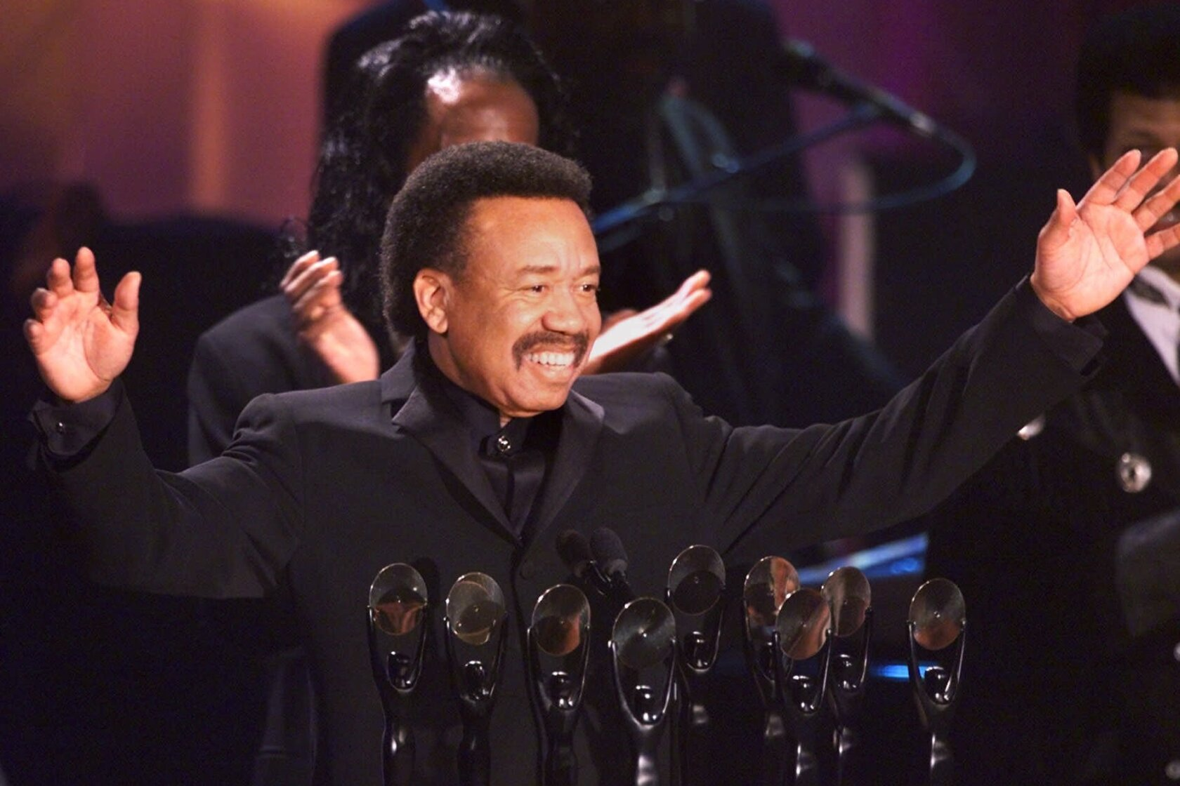 Maurice White, founder of Earth, Wind & Fire, has died at 74 - Los