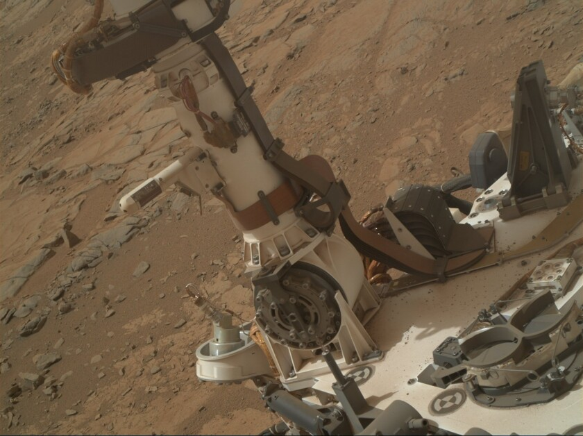 A little liquid water still on Mars? Curiosity finds signs of brines
