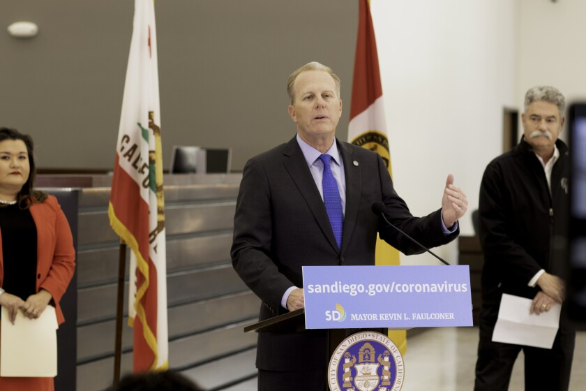 Mayor Kevin Faulconer spoke about ways San Diegans can give back with SD City Councilmember Vivian Moreno and the San Diego Food Bank CEO James Floros.