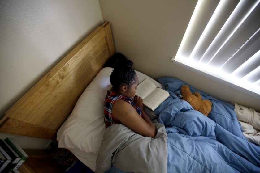 3016895_la-me-ln-temporary-shelter-foster-youth_03.FO.jpg