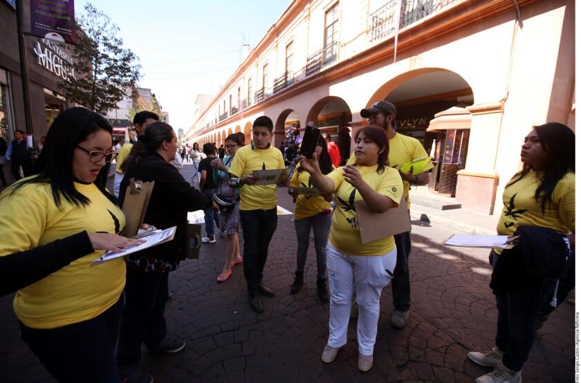 Desde diciembre de 2015, el partido del PRD realizaba jornadas de recolección de firmas a favor de una iniciativa de ley que regule el consumo de la marihuana.