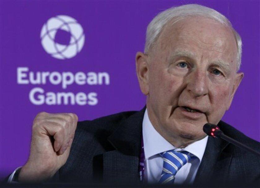 Las autoridades de Río de Janeiro emitieron una orden de arresto para Patrick Hickey,l acusado de revender entradas a los Juegos, como parte de una investigación más amplia de las entradas asignadas a Irlanda y vendidas a precios más altos que los establecidos.