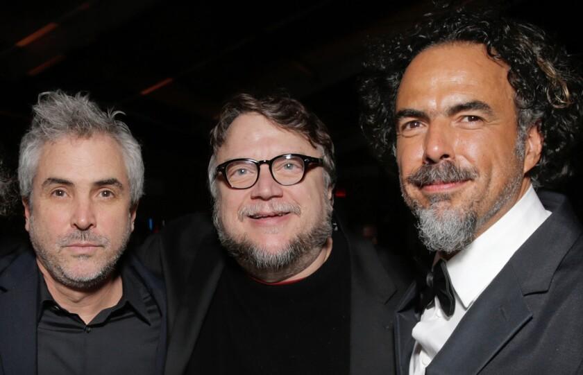 Alfonso Cuarón, Guillermo del Toro y Alejandro González Iñárritu se reencontraron en una de las fiestas posteriores a la ceremonia 72 de los Globos de Oro, el 11 de enero pasado en Beverly Hills.