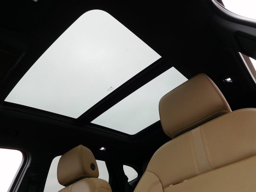Chevrolet Blazer-6-PanoRoof.jpg