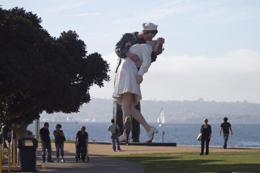 Statue may bid farewell