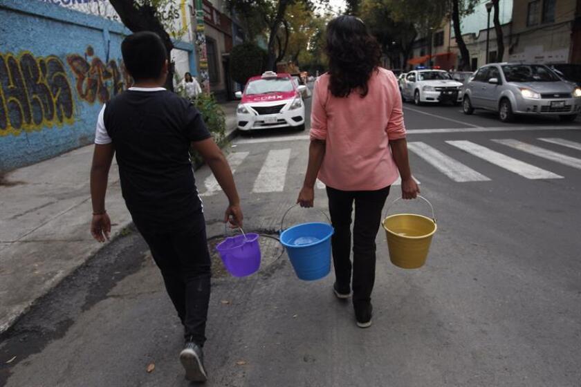 Suspenden 40 horas más el servicio de agua en Ciudad de México por falla