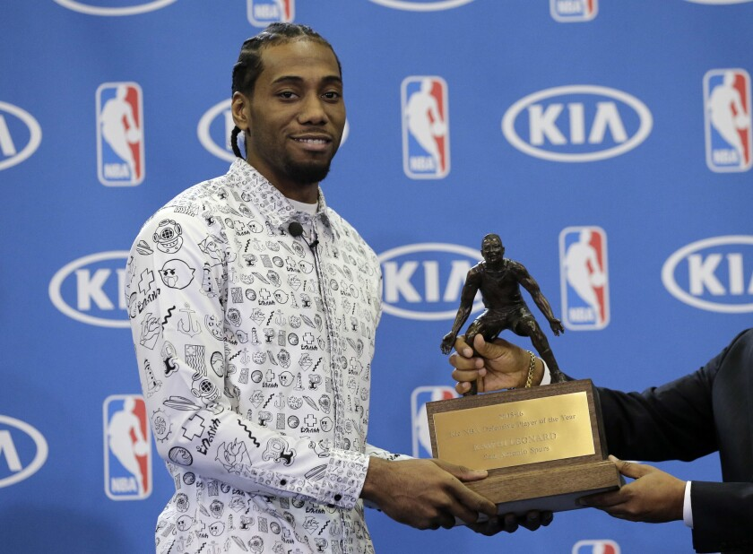 Spurs' Kawhi Leonard wins second straight NBA defensive player of year award