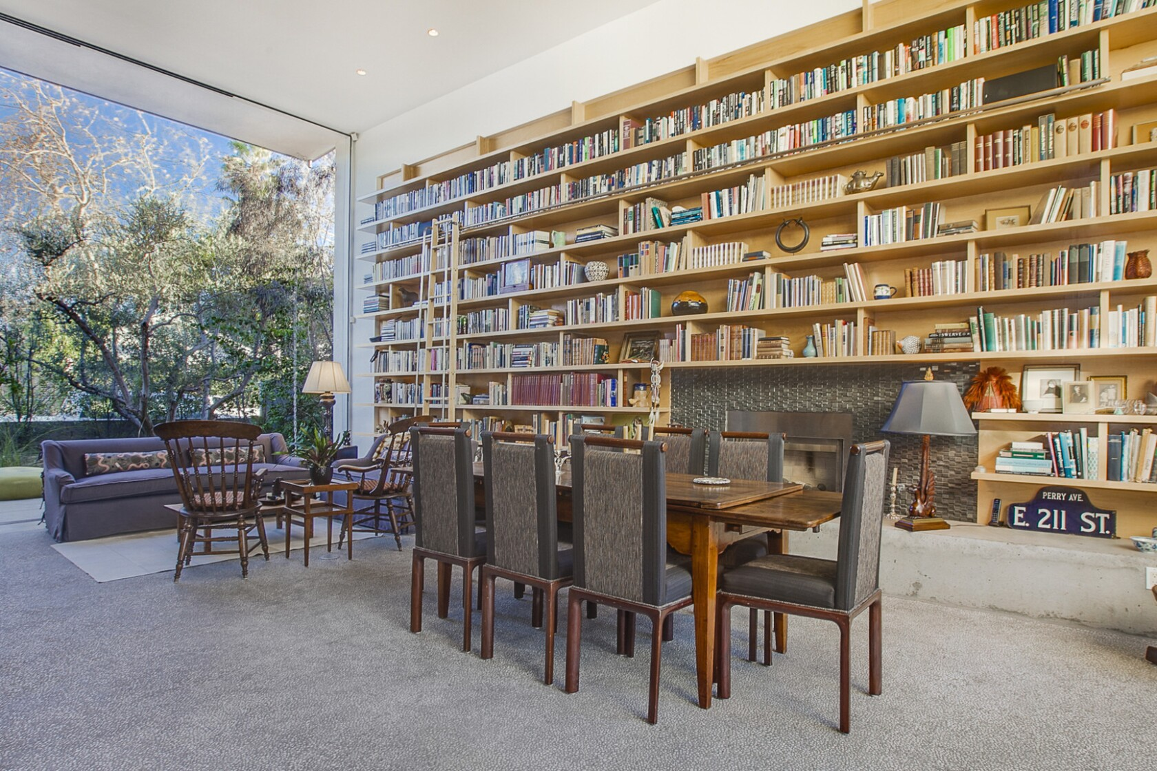 12 Tips To Styling Your Bookcases Like A Pro Los Angeles Times