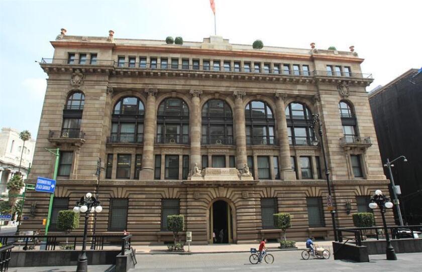 Vista general del edificio del Banco Nacional de México, el jueves 21 de agosto de 2014. EFE/Archivo