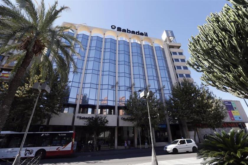 El Instituto de Crédito Oficial (ICO) y el Banco Sabadell Miami firmarán hoy un acuerdo de financiación por 500 millones de euros para impulsar la expansión de las empresas vinculadas a España en Estados Unidos y Latinoamérica. EFE/Archivo