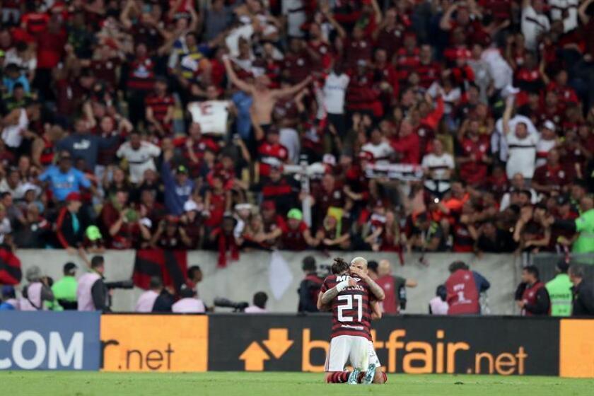 Flamengo se mantiene como líder del fútbol en Brasil tras golear a Palmeiras