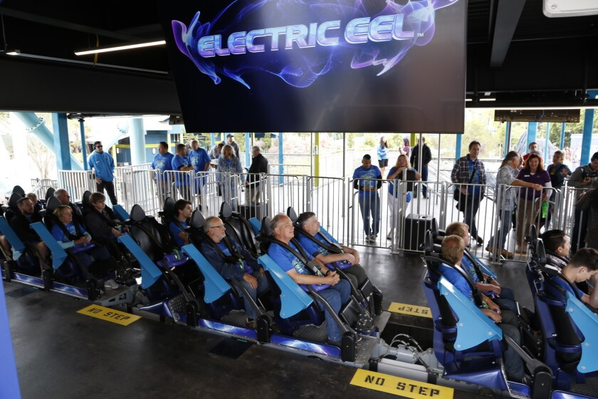 Review: SeaWorld's Electric Eel coaster squeezes a lot of excitement