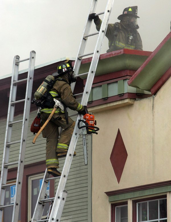 100-year-old Hillcrest building burns