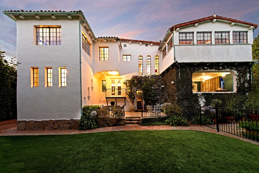Dennis Quaid sold his Pacific Palisades home of five years for $5.9 million.