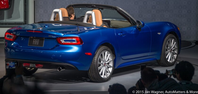 Rear quarter view of Fiat 124 Spider