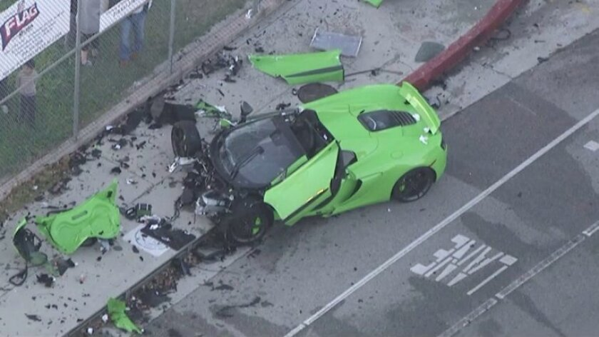 Crash in Woodland Hills