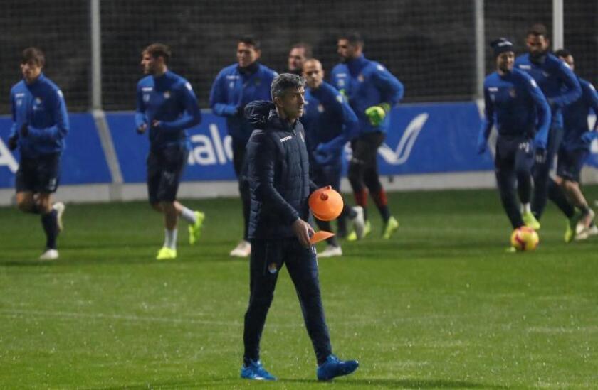 El nuevo entrenador de la Real Sociedad, Imanol Alguacil, ha dirigido hoy el entrenamiento del equipo celebrado en las instalaciones de Zubieta tras la rescisión del contrato a Asier Garitano. EFE
