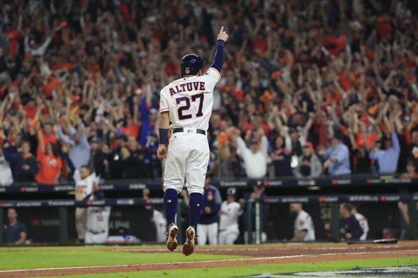 En la imagen, el venezolano José Altuve de los Astros de Houston. EFE/Archivo