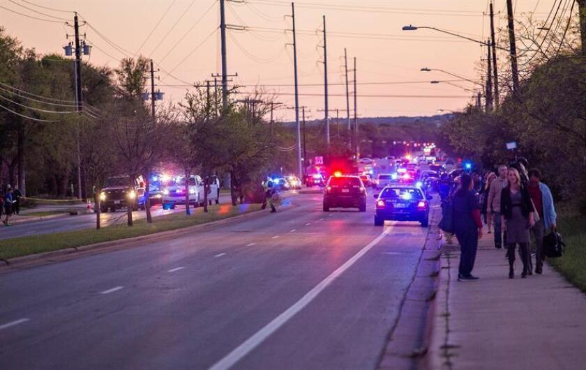 Ciudadanos retornan a sus casas tras explosiones de gas en Massachusetts